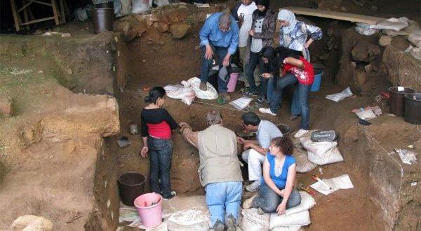 ancient-human-clothes-01-1631881358.jpg